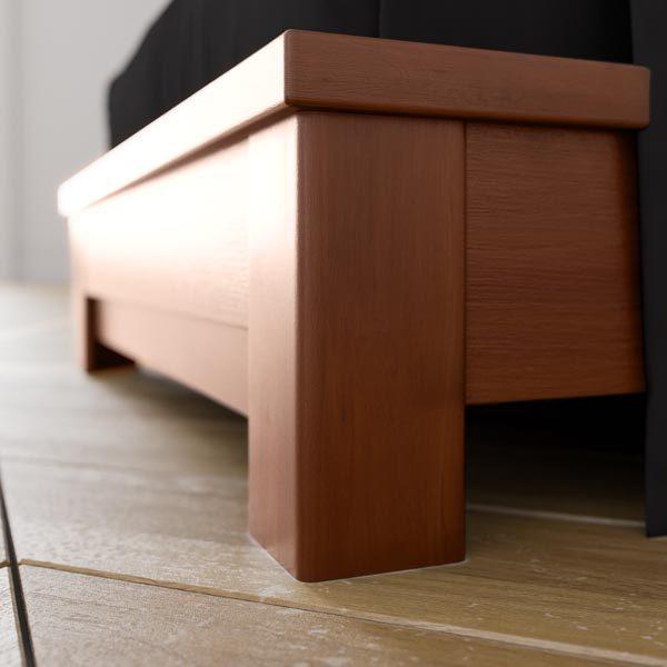 Кровать из дерева. Мебель в рассрочку